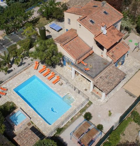Villa Maeva : Guest accommodation near La Gaude