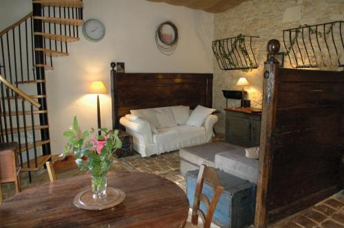 Le Nid des Oiseaux : Bed and Breakfast near Saint-Pantaly-d'Ans