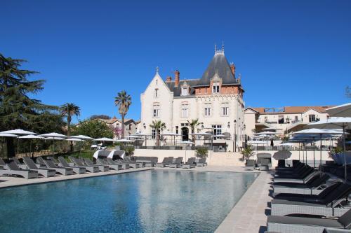 Château Saint Pierre de Serjac : Hotel near Fouzilhon