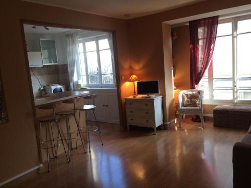 Nice little flat, well located : Apartment near Lyon 7e Arrondissement
