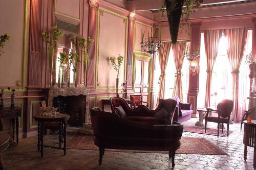 Demeure de Digoine - Holiday Home : Guest accommodation near Saint-Martin-d'Ardèche