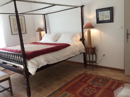 Atelier Soleil : Bed and Breakfast near Mézel