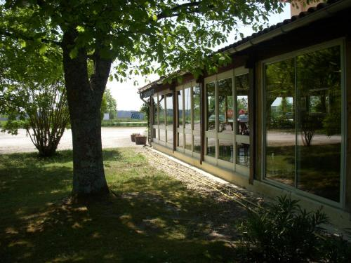 Hôtel Restaurant CLOS d' ARSAC : Hotel near Bayon-sur-Gironde