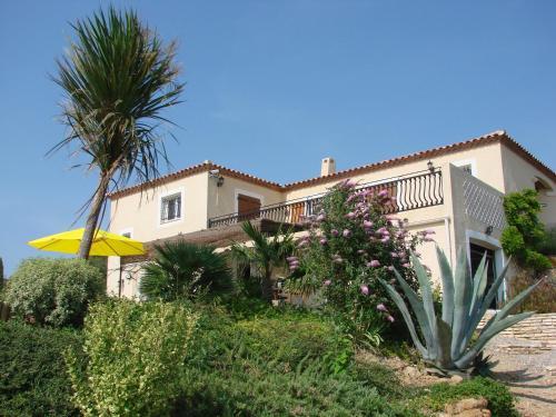 Maison Cooper : Guest accommodation near Thézan-des-Corbières