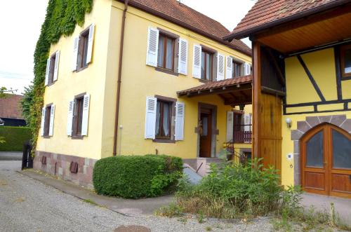Claude : Guest accommodation near Hessenheim