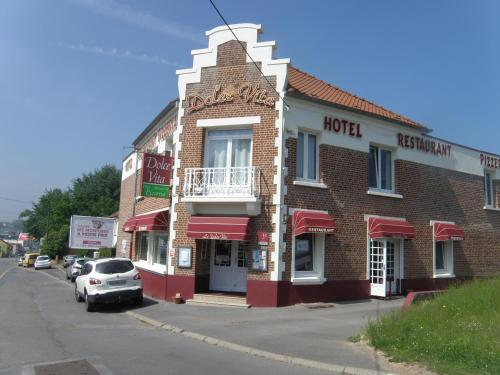 Dolce Vita : Hotel near Norrent-Fontes