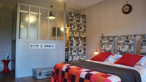 La Maison Bleue : Guest accommodation near Faverelles