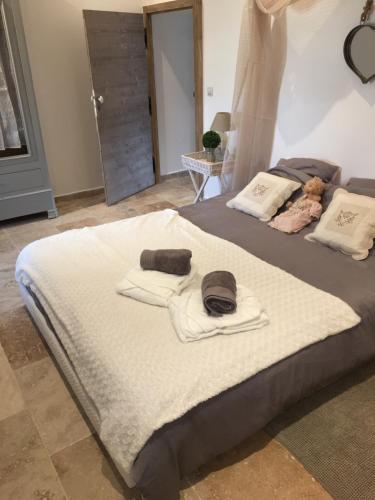 Labastidedeclaralou : Bed and Breakfast near Bédarrides