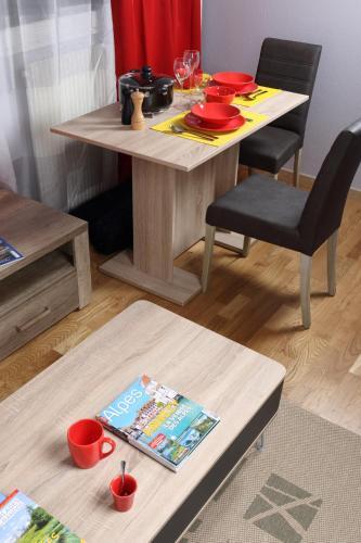 Studio Saint Georges : Apartment near Clarafond-Arcine