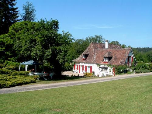 Le Clos des Archers : Bed and Breakfast near Fraisse