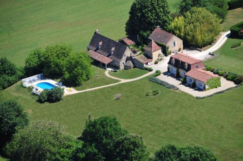 Le Clos Lascazes : Guest accommodation near Saint-Avit-Sénieur