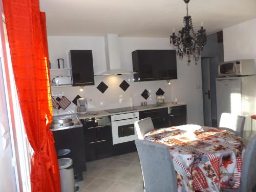 Appartement à Vergèze : Apartment near Saint-Côme-et-Maruéjols