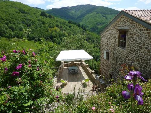 La Calade Chambres d'Hôtes & Espace Bien-Etre : Bed and Breakfast near Mézilhac
