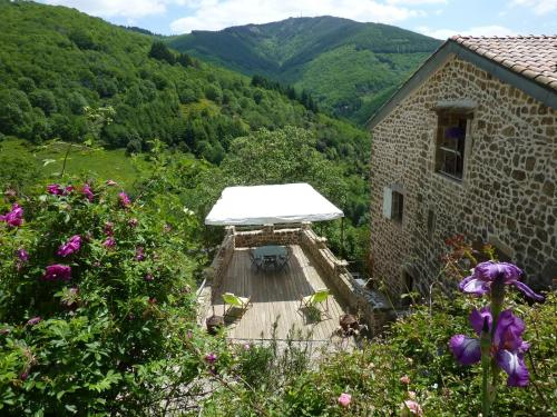 La Calade Chambres d'Hôtes & Espace Bien-Etre : Bed and Breakfast near Mayres