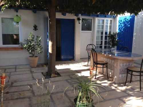 Seb&Laeti Guesthouse : Bed and Breakfast near Saint-Laurent-d'Aigouze