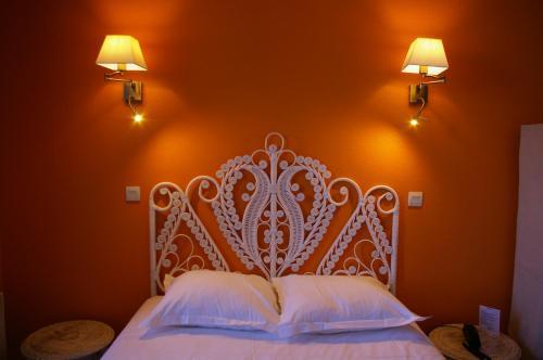 Queen Serenity Hotel : Hotel near Carentoir