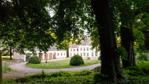 Cottage on a castle estate : Guest accommodation near Crépy