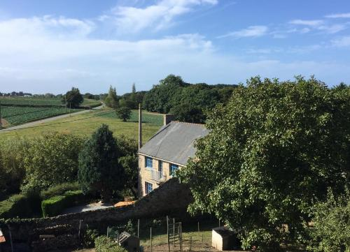 La Petite Ville Aze : Guest accommodation near Saint-Coulomb