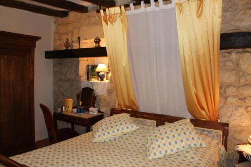 Maison d'Hôtes La Closerie : Guest accommodation near Longué-Jumelles