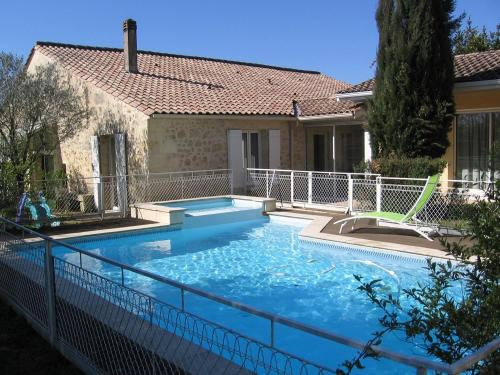 gite de la Caussade : Guest accommodation near Saint-Loubès