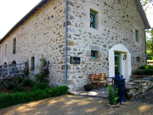 Les 5 Petits Lapins : Bed and Breakfast near Tulle