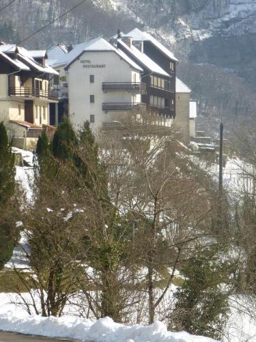 La Cascade : Hotel near Bonnevaux-le-Prieuré