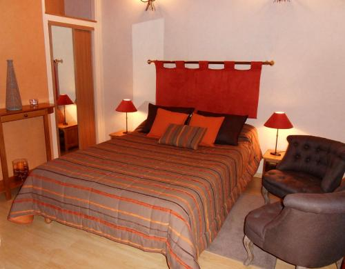 Aux 3 sapins : Bed and Breakfast near Neaux
