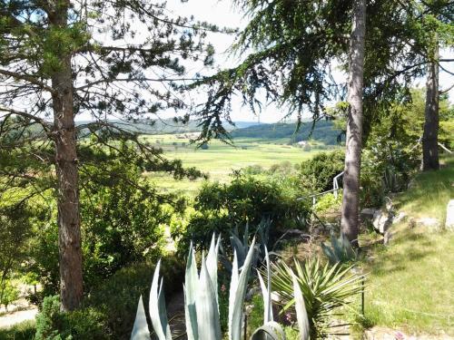 Balcon Sur Les Vignes : Guest accommodation near Cornillon