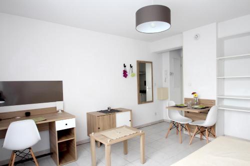 Résidence Suiteasy Thalès : Guest accommodation near Mons