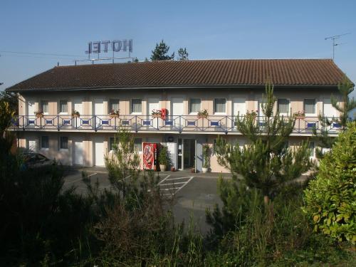 Riv'Hotel : Hotel near La Capelle-Balaguier