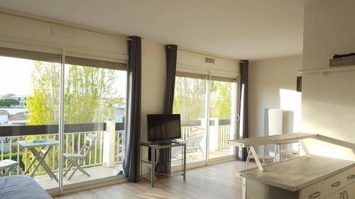 Royan Apartment : Apartment near Médis