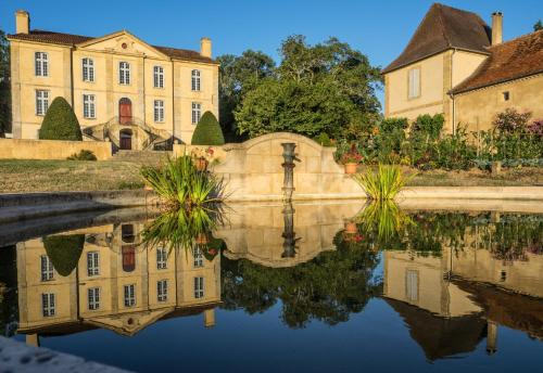 La Dépendance du Château : Guest accommodation near Latrille