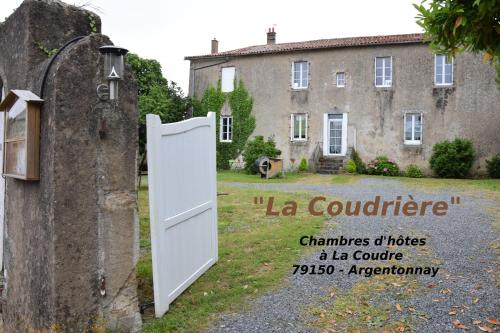 La Coudrière : Bed and Breakfast near Luzay
