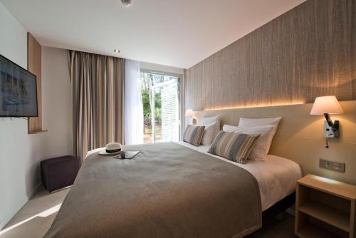 Golden Tulip Sophia Antipolis - Hotel & Spa : Hotel near Valbonne