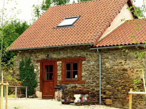 Holiday home La Petite Maison 2 : Guest accommodation near Dournazac