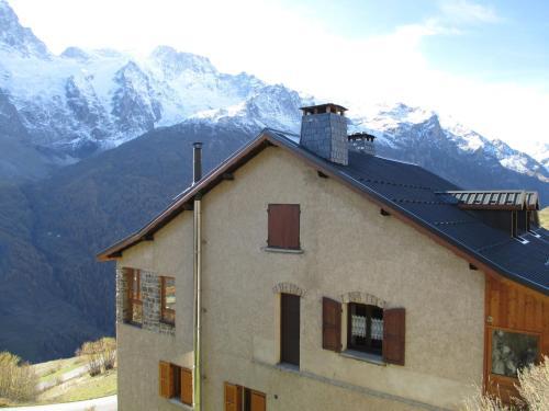 Chalet Carole : Guest accommodation near La Grave