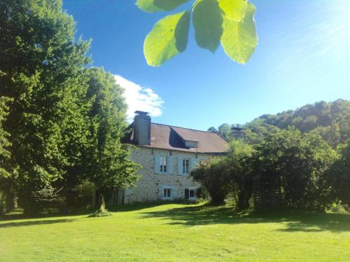 B&B Au Moulin 1771 : Bed and Breakfast near Cuqueron