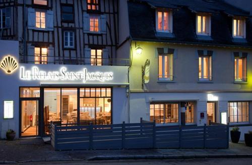Logis Le Relais Saint Jacques : Hotel near Saint-Dizier-Leyrenne