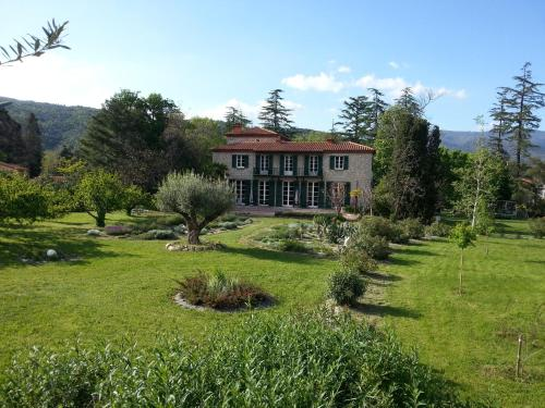 Castell Rose : Bed and Breakfast near Ria-Sirach
