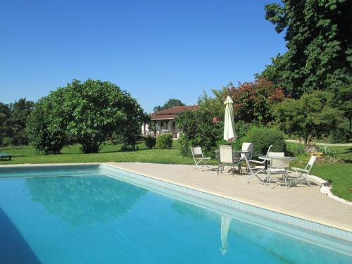 Canteau : Guest accommodation near Campagne-d'Armagnac