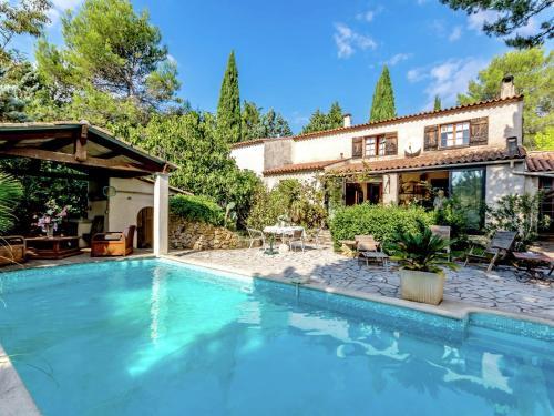 Maison De Vacances - Le Luc : Guest accommodation near Le Cannet-des-Maures