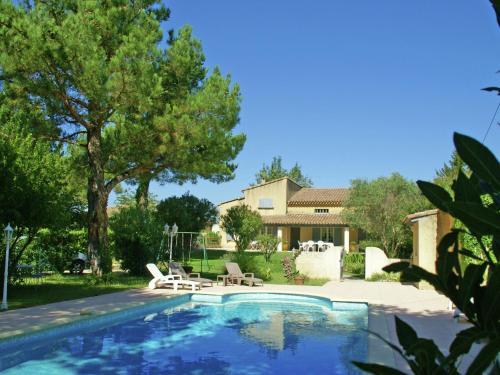 Maison De Vacances - Entraigues-Sur-La-Sorgue : Guest accommodation near Entraigues-sur-la-Sorgue