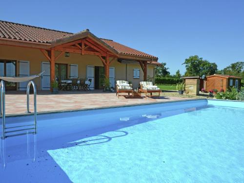 Maison Georges : Guest accommodation near Sainte-Christie-d'Armagnac