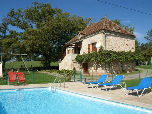 Maison De Vacances - Rueyres : Guest accommodation near Durbans