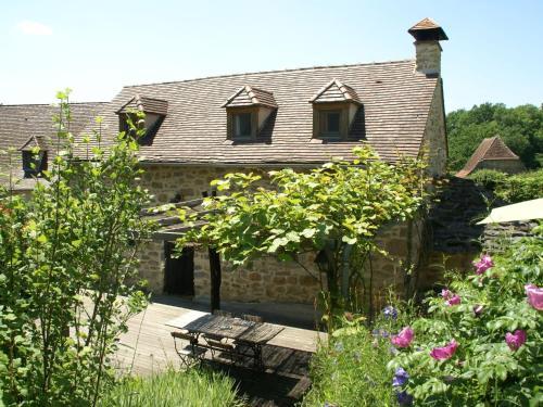 Maison De Vacances - Alvignac-Les-Eaux 2 : Guest accommodation near Lavergne