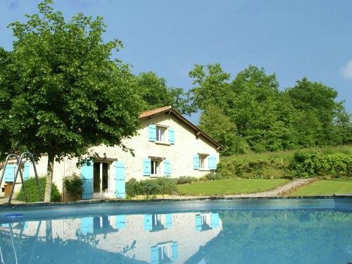 Maison De Vacances - Manzac-Sur-Vern : Guest accommodation near Creyssensac-et-Pissot