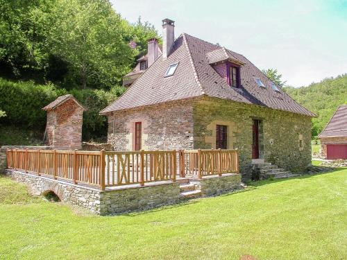 La Maison d Amis du Bouc : Guest accommodation near Dussac