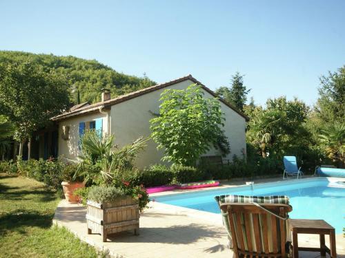 Maison De Vacances - Espere 1 : Guest accommodation near Cahors