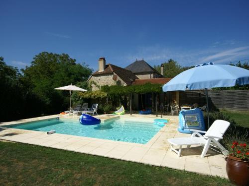 Maison De Vacances - Alvignac-Les-Eaux 1 : Guest accommodation near Thégra