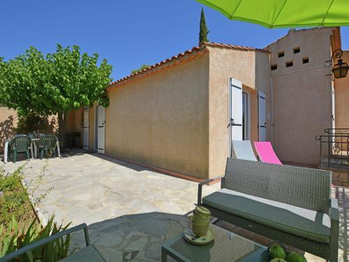 Maison De Vacances - Saint-Maximin : Guest accommodation near Saint-Victor-des-Oules